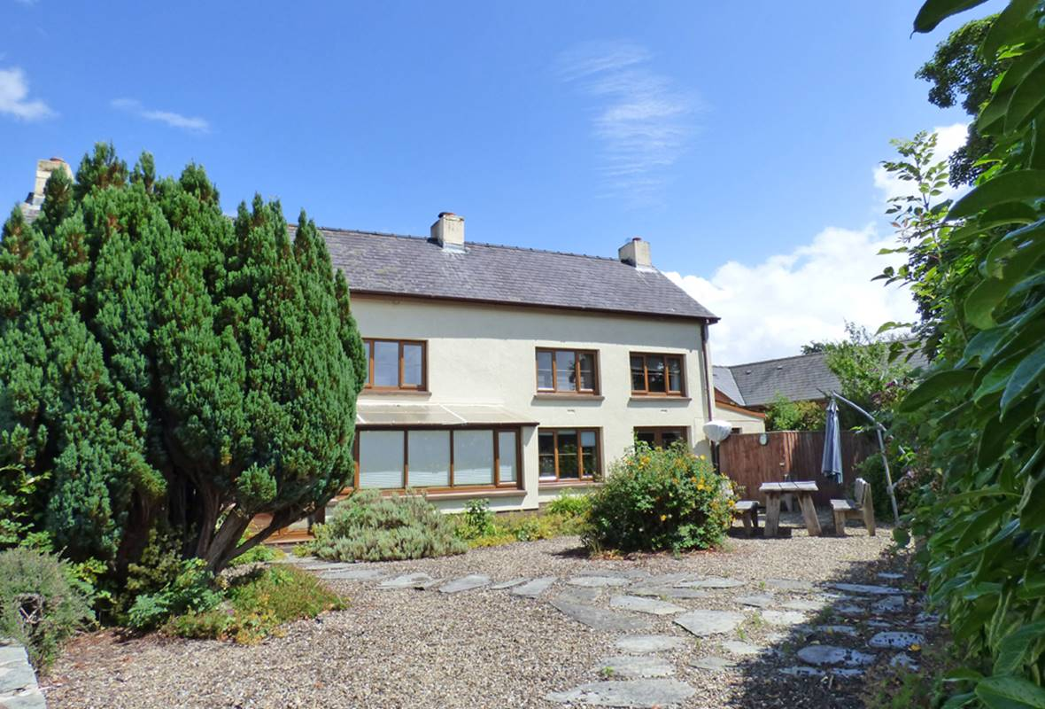 Pelcomb Cross Farmhouse - 4 Star Holiday Cottage - Pelcomb Cross, Pembrokeshire, Wales
