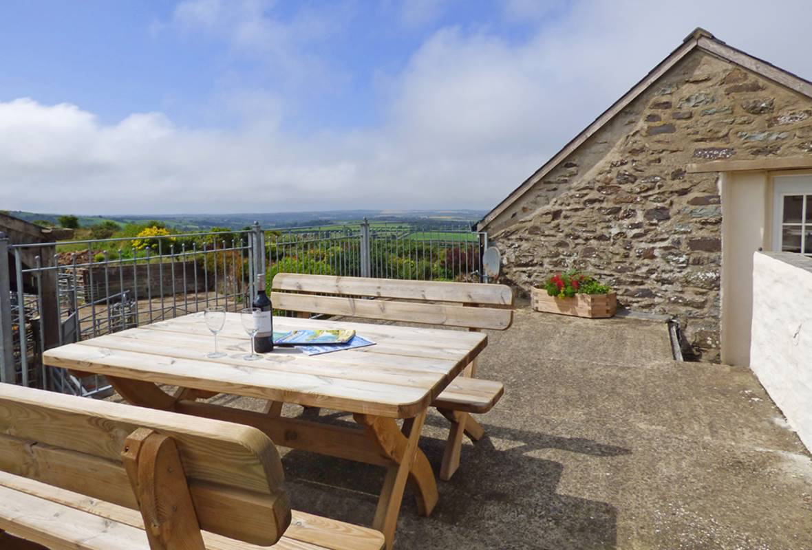 The Granary - 4 Star holiday property - Trecwn, Pembrokeshire, Wales