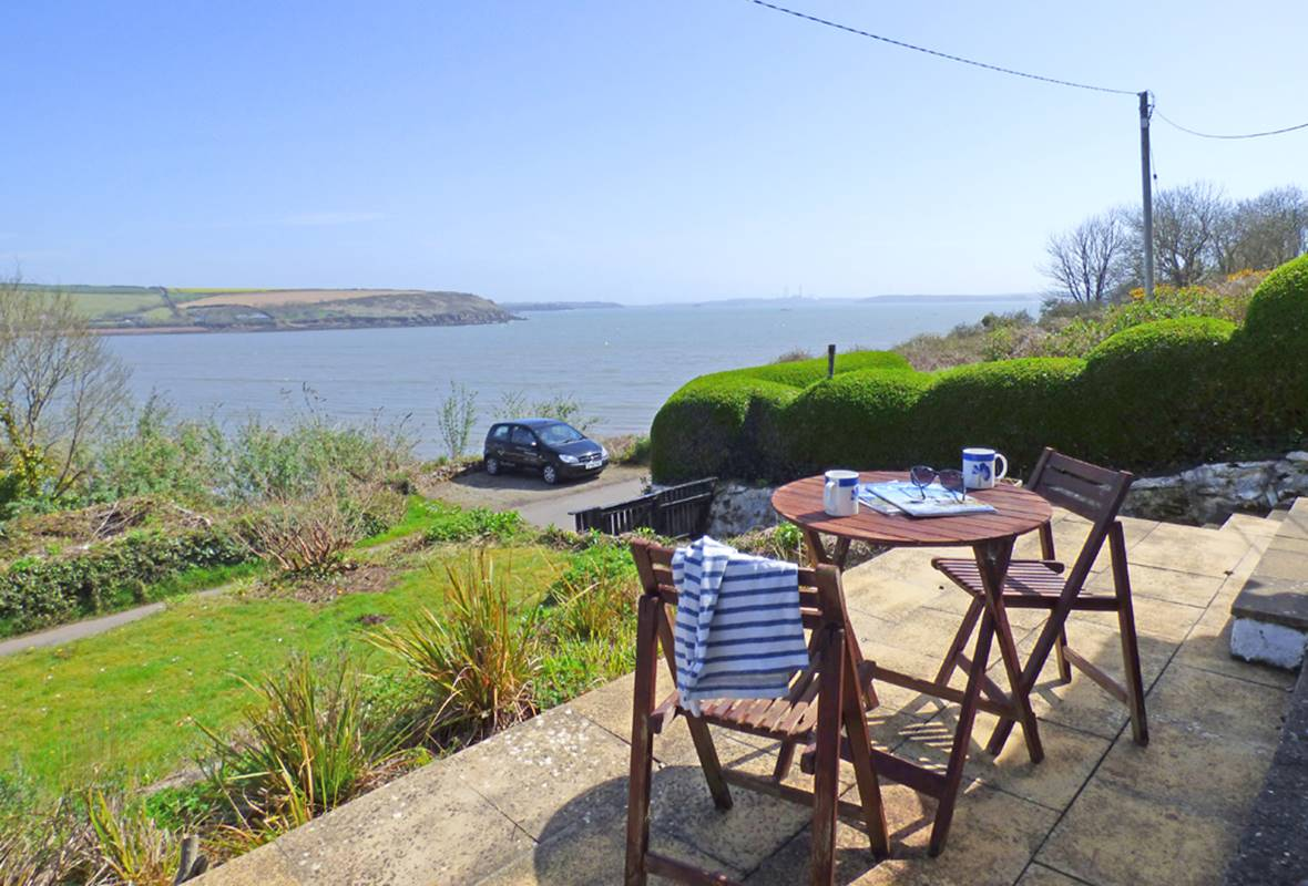 Cliff Cottage - 4 Star Holiday Home - Dale, Pembrokeshire, Wales