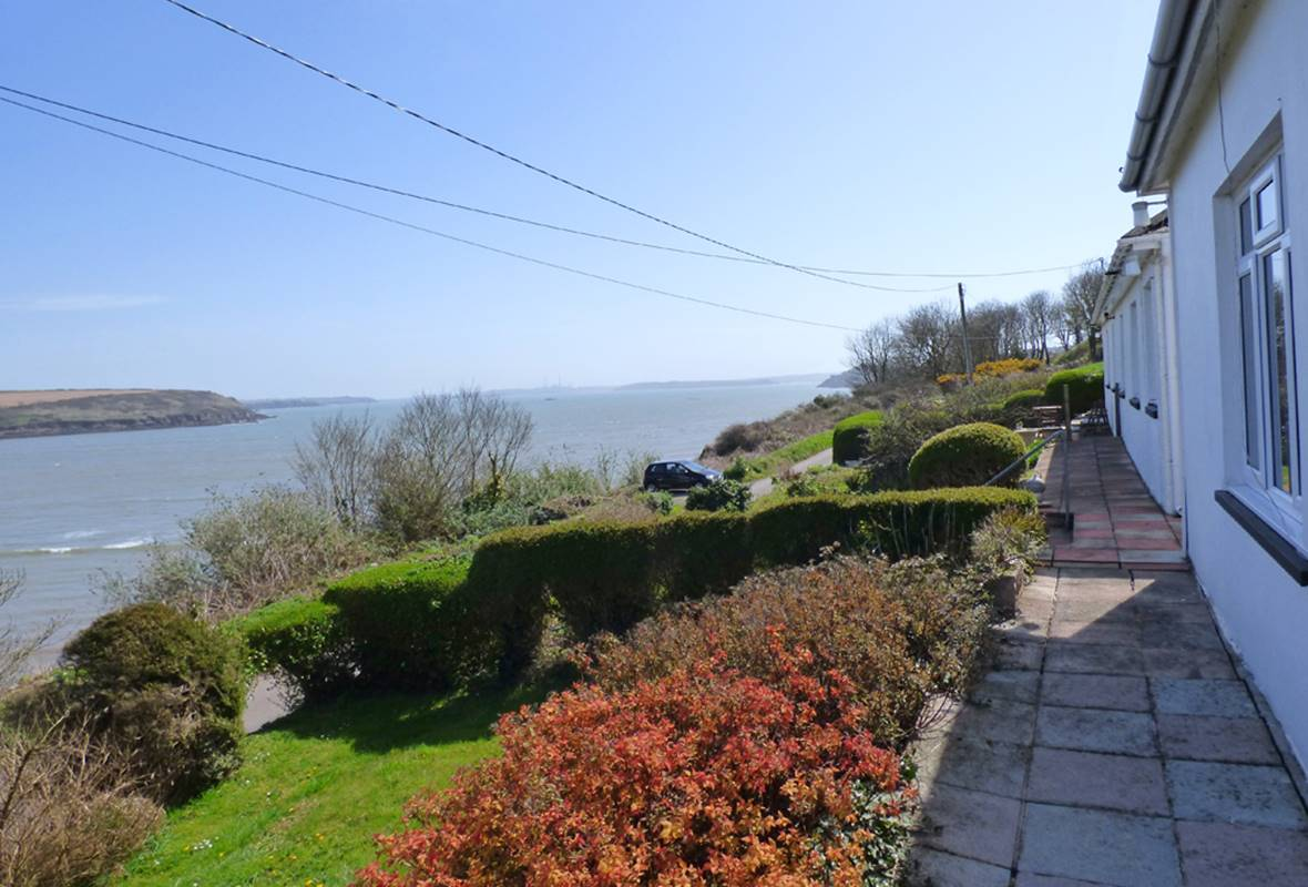 Sunray - 4 Star Holiday Home - Dale, Pembrokeshire, Wales