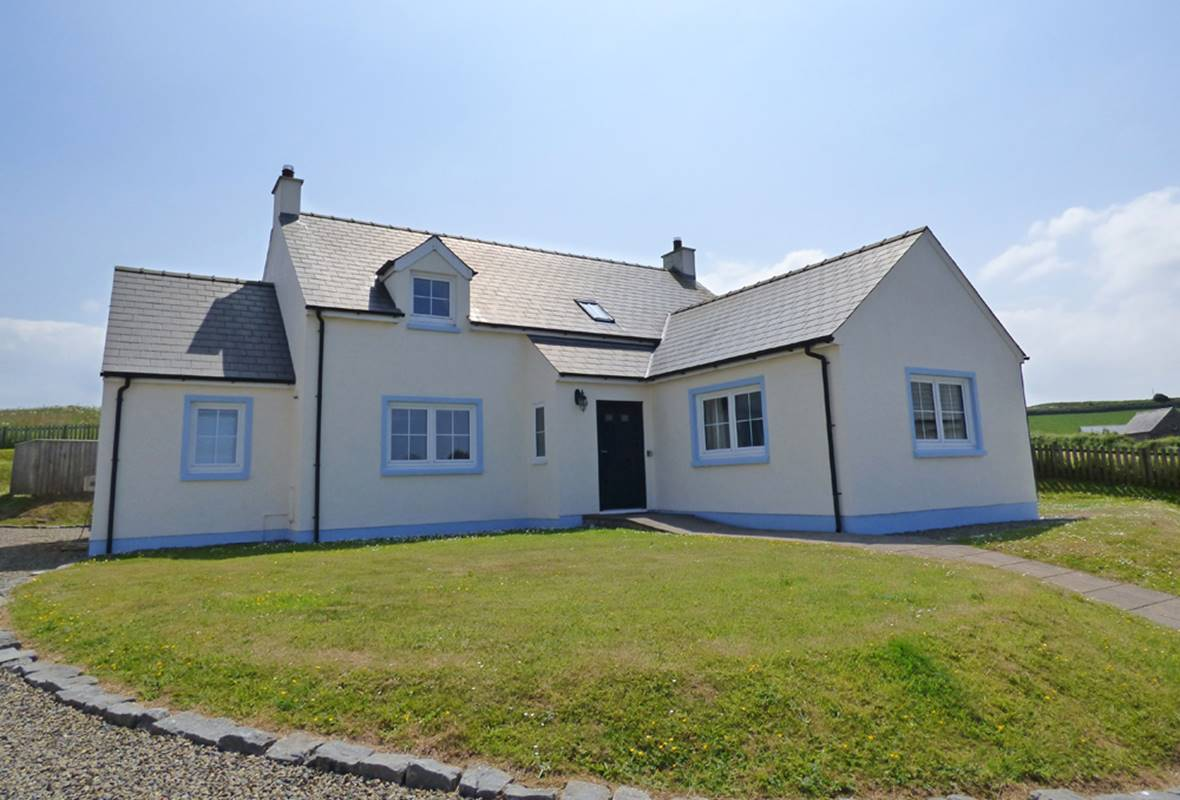 Mightywaters House - 5 Star Holiday Home - Little Haven, Pembrokeshire, Wales