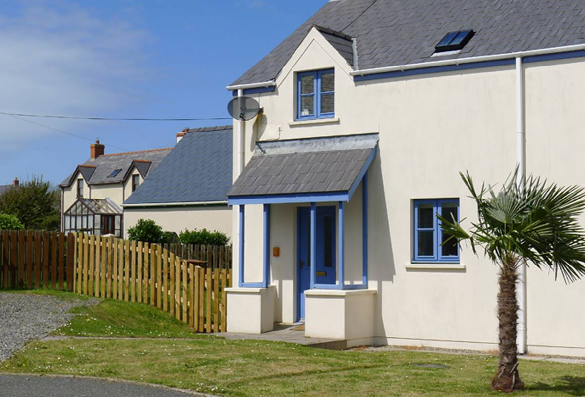 10 Green Meadow Close - 4 Star holiday property - Marloes, Pembrokeshire, Wales
