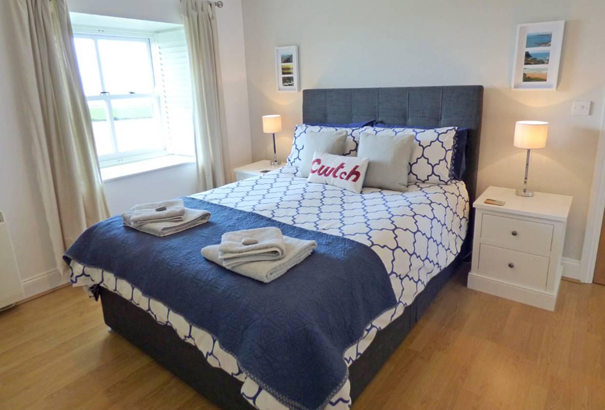 Skokholm View - 5 Star Holiday Property - Llanunwas, Solva, Pembrokeshire, Wales