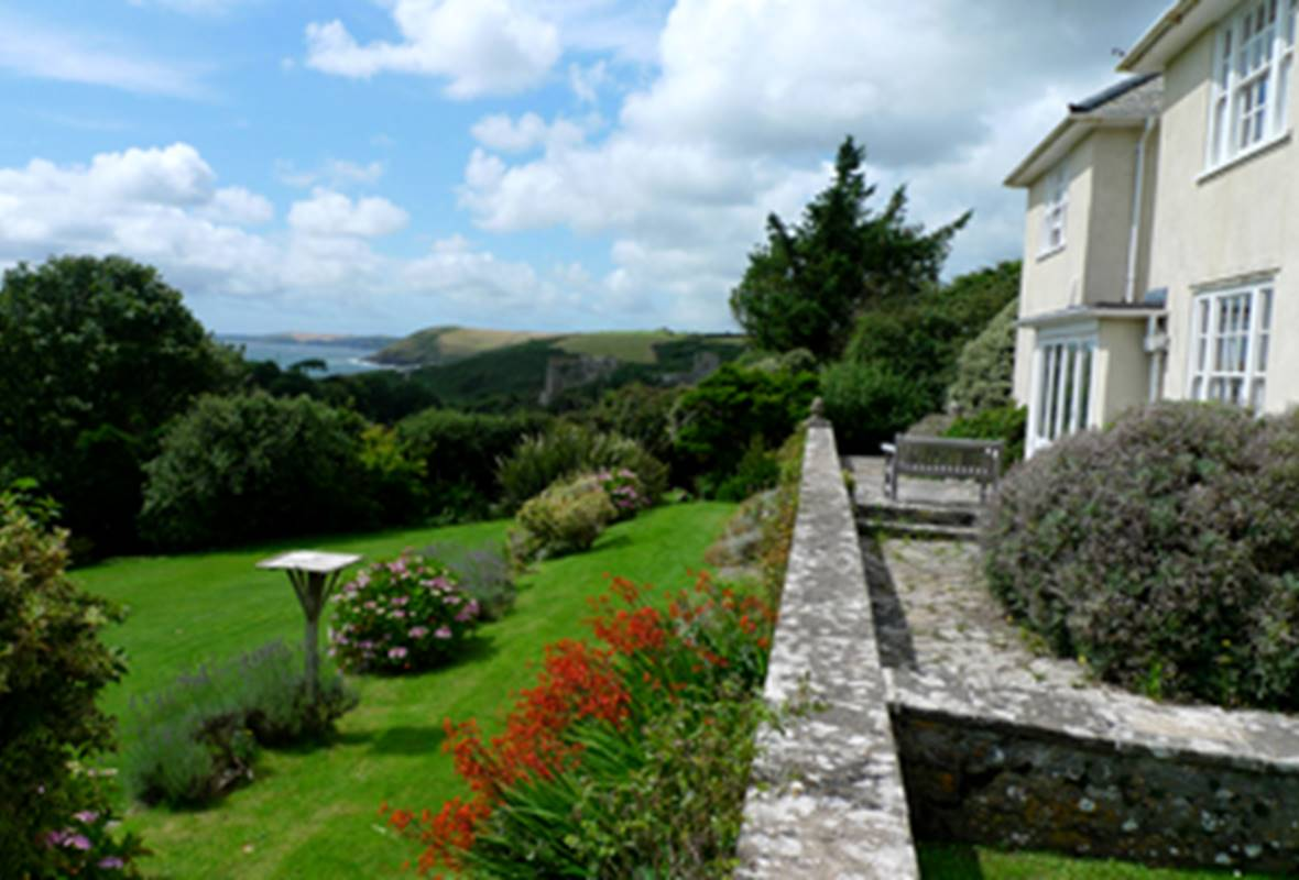 Greenala - 3 Star Holiday Home - Manorbier, Pembrokeshire, Wales