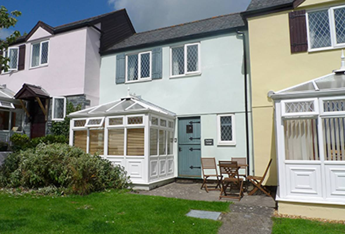 Poachers Cottage - 4 Star Holiday Cottage - Ivy Tower Village, St Florence, Pembrokeshire, Wales