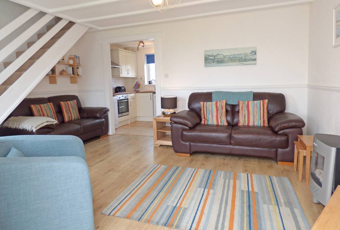 Crofters Cottage - 4 Star Holiday Cottage - Ivy Tower Village, St Florence, Pembrokeshire, Wales