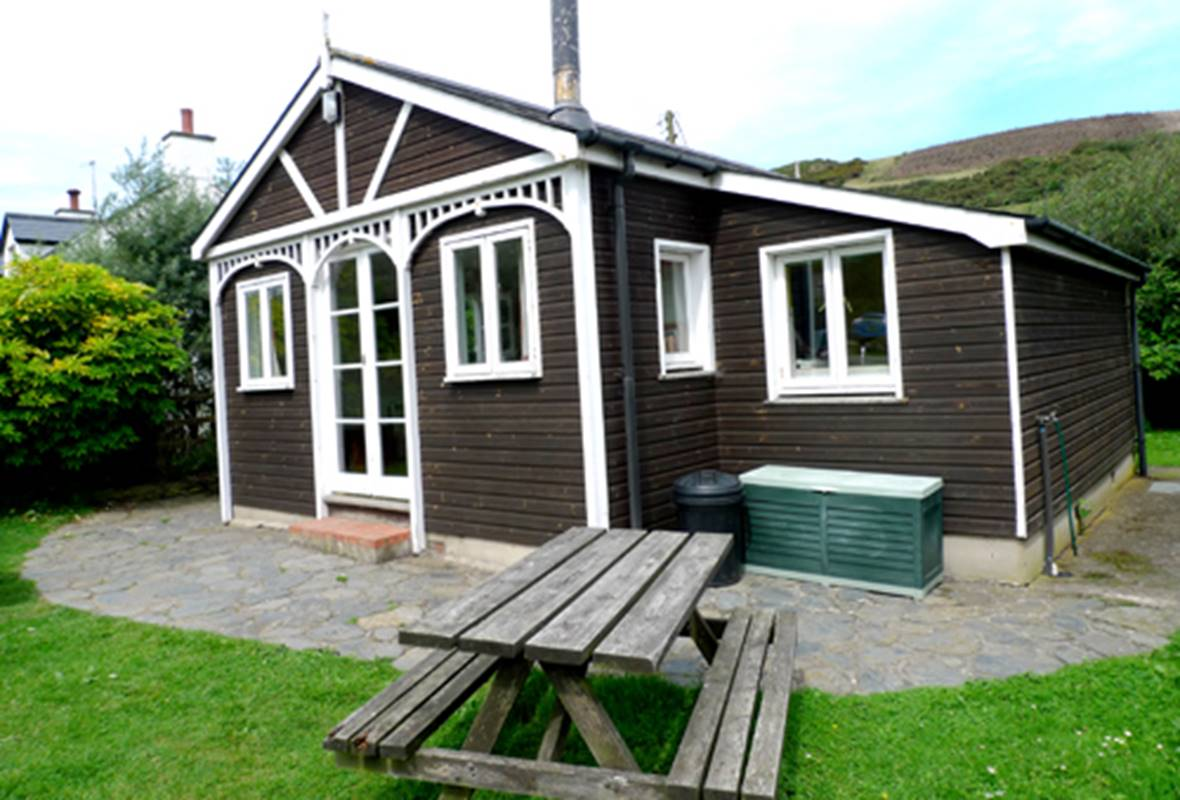 Swn y Mor - 2 Star Holiday Apartment - Pwllgwaelod, Pembrokeshire, Wales