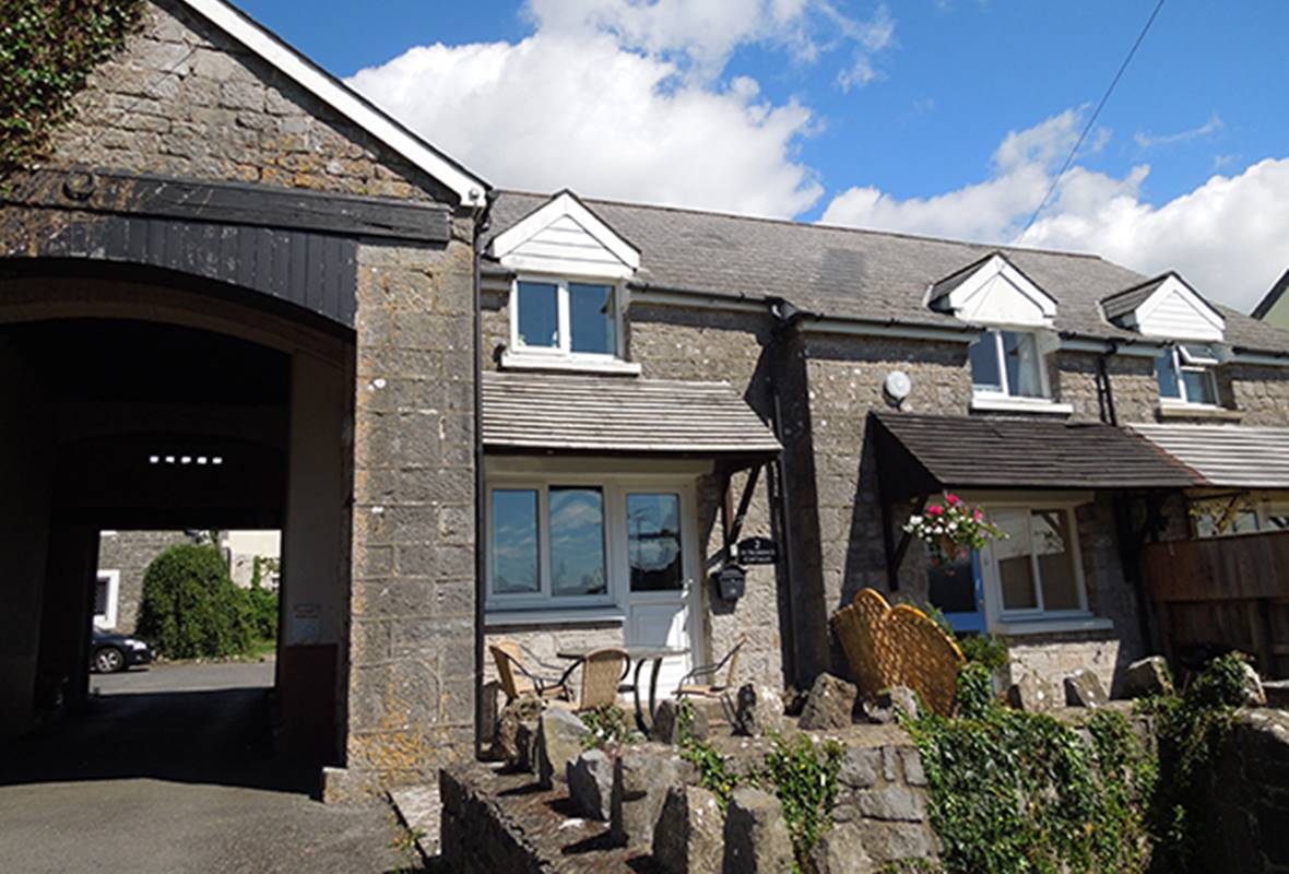 2 St Florence Cottages - 4 Star Holiday Cottage - Ivy Tower Village, St Florence, Pembrokeshire, Wales