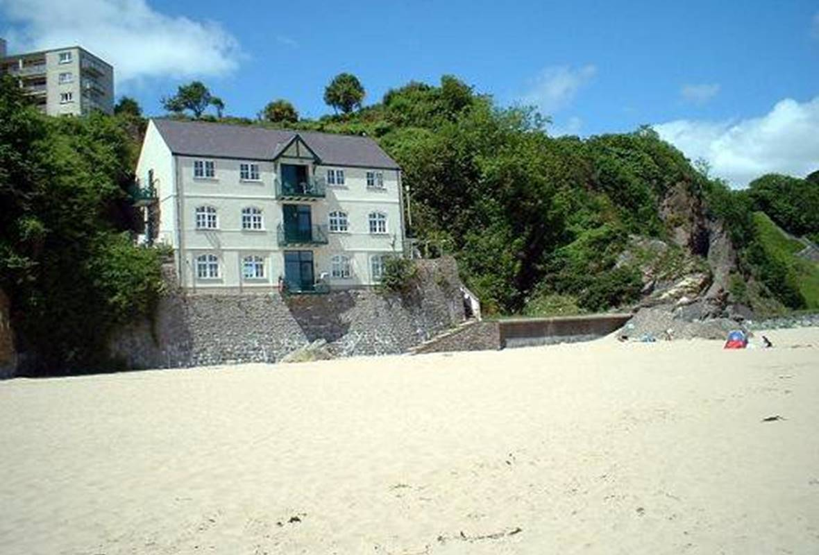 Sunnycove - 4 Star Holiday Home - Tenby, Pembrokeshire, Wales