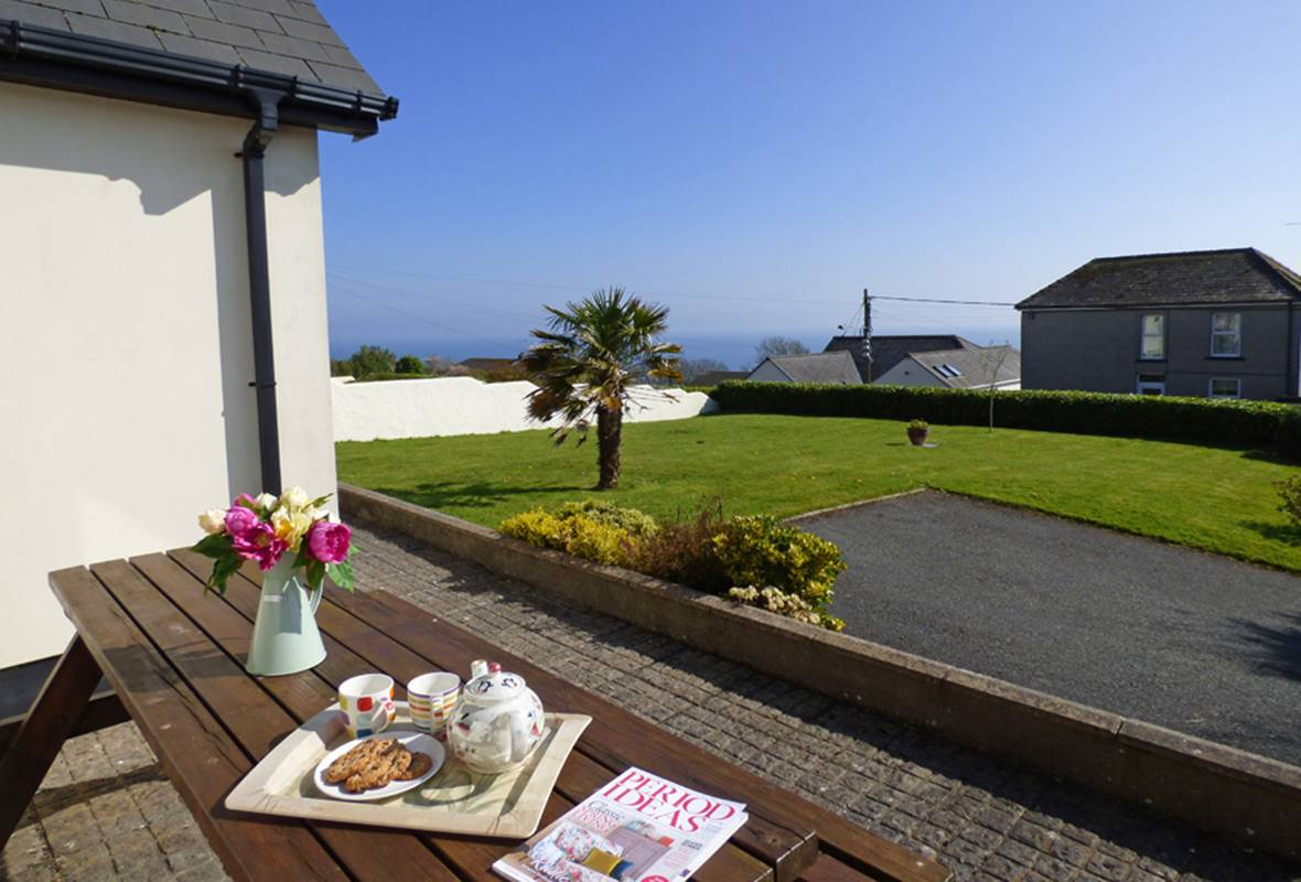 Forty Winks - 4 Star Holiday Home - Freshwater East, Pembrokeshire, Wales