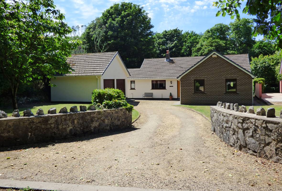 Ty Cariad - 4 Star Holiday Home - Manorbier, Pembrokeshire, Wales