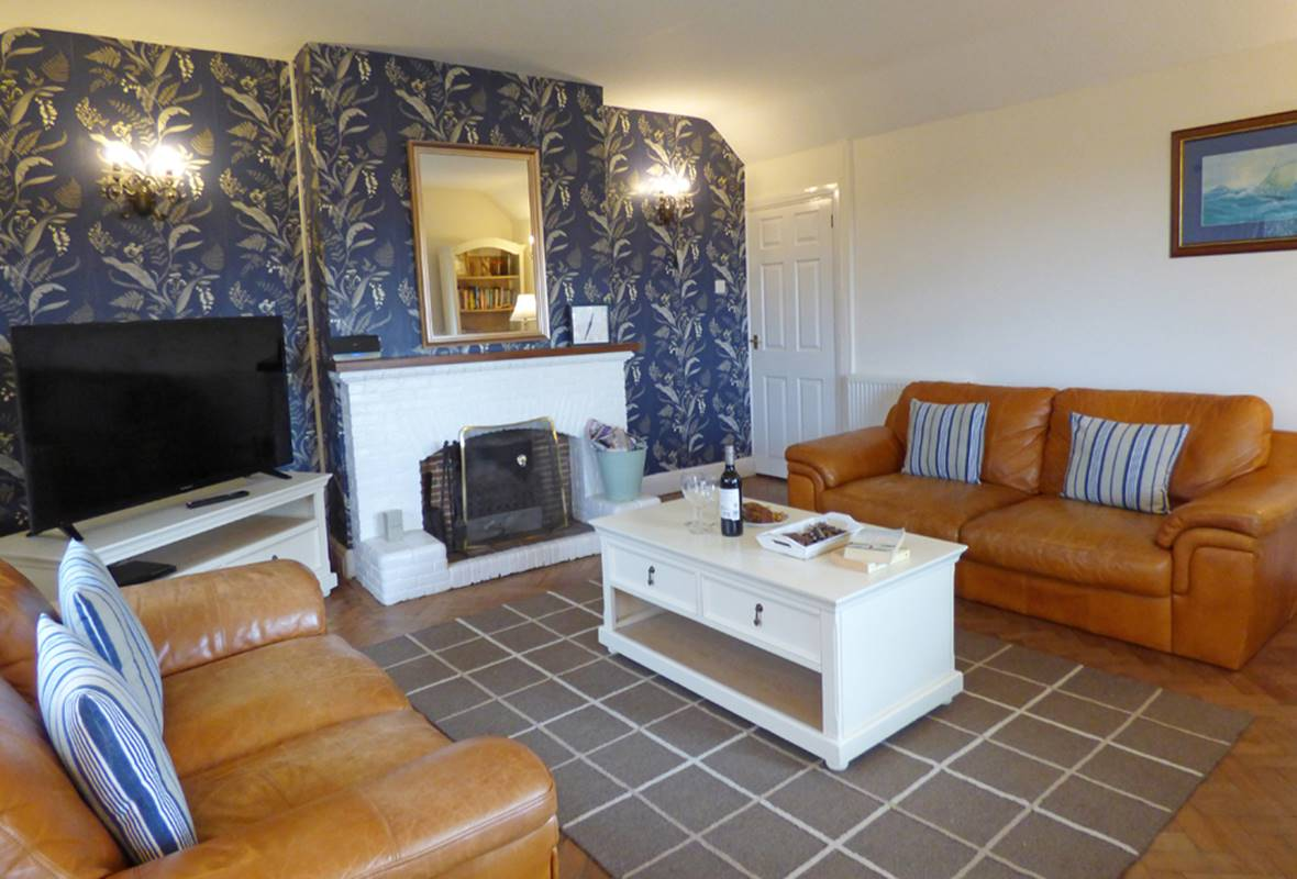 Westhills - 4 Star Holiday Cottage - Lydstep, Pembrokeshire, Wales