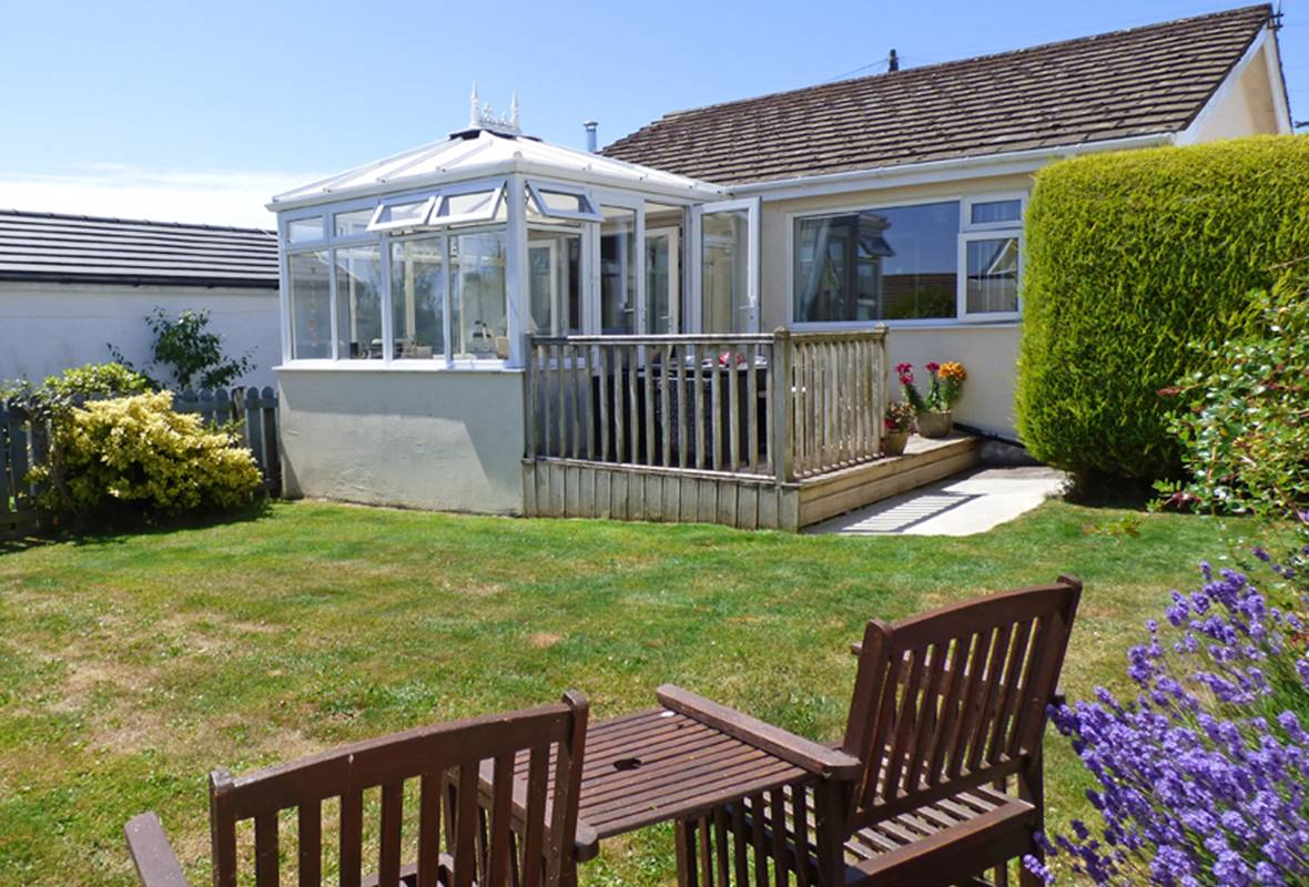 Sandgrove - 4 Star Holiday Home - Saundersfoot, Pembrokeshire, Wales