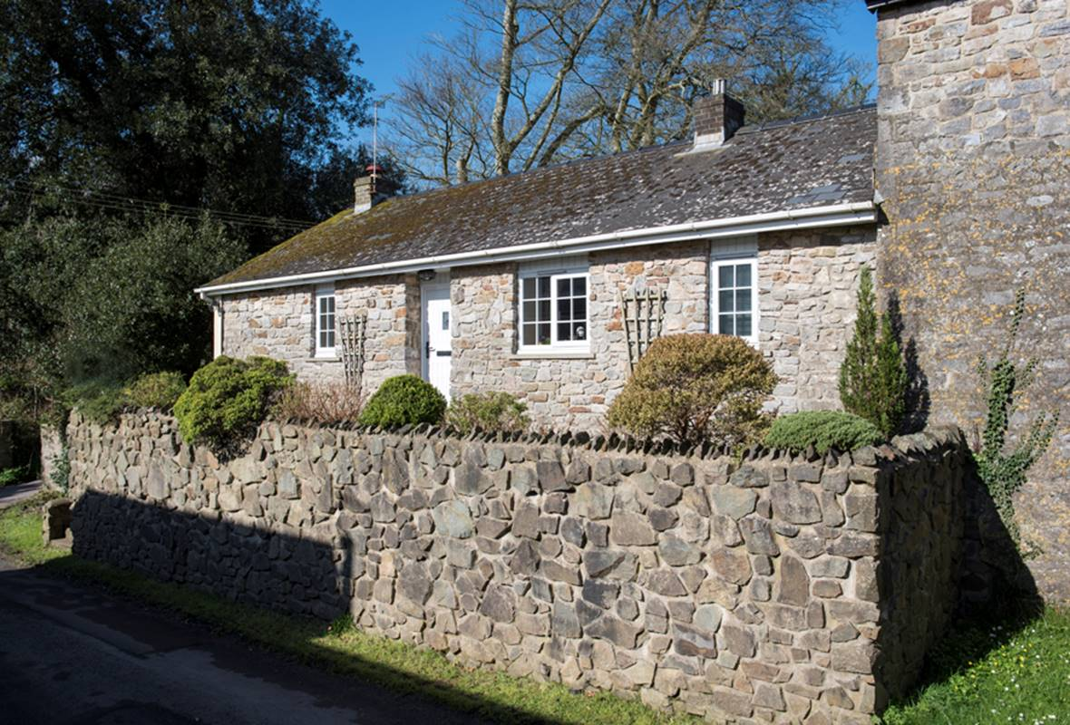 Salar - 4 Star Holiday Cottage - Lawrenny, Pembrokeshire, Wales