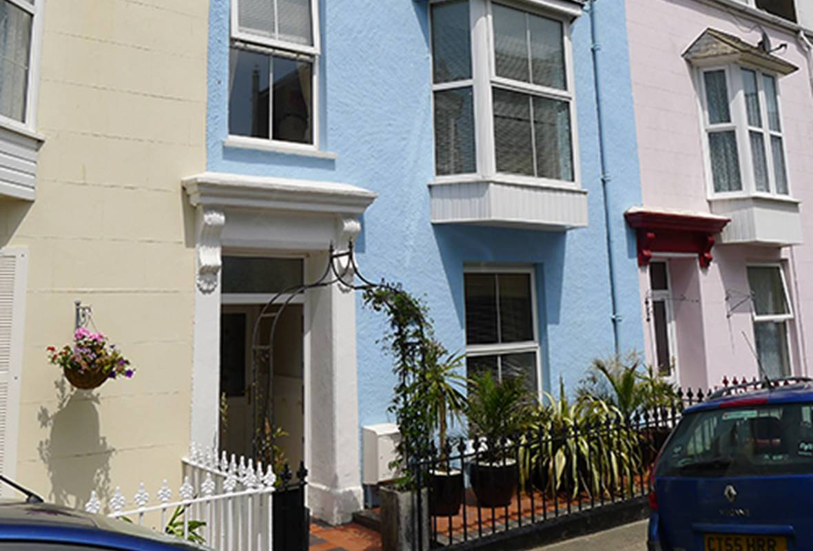 Anvil House - 4 Star Holiday Home - Tenby, Pembrokeshire, Wales