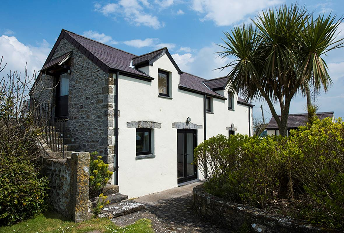 The Granary - 5 Star Holiday Home - Castlemartin, Pembrokeshire, Wales