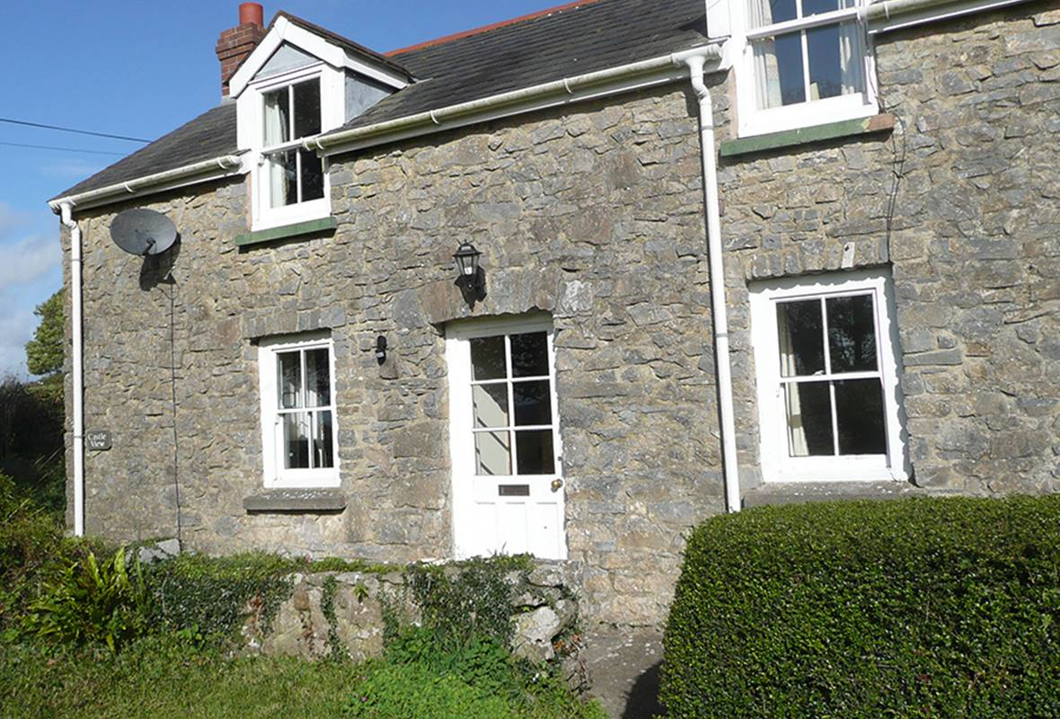 Castle View, Carew Newton | 3 Star Holiday Cottage in