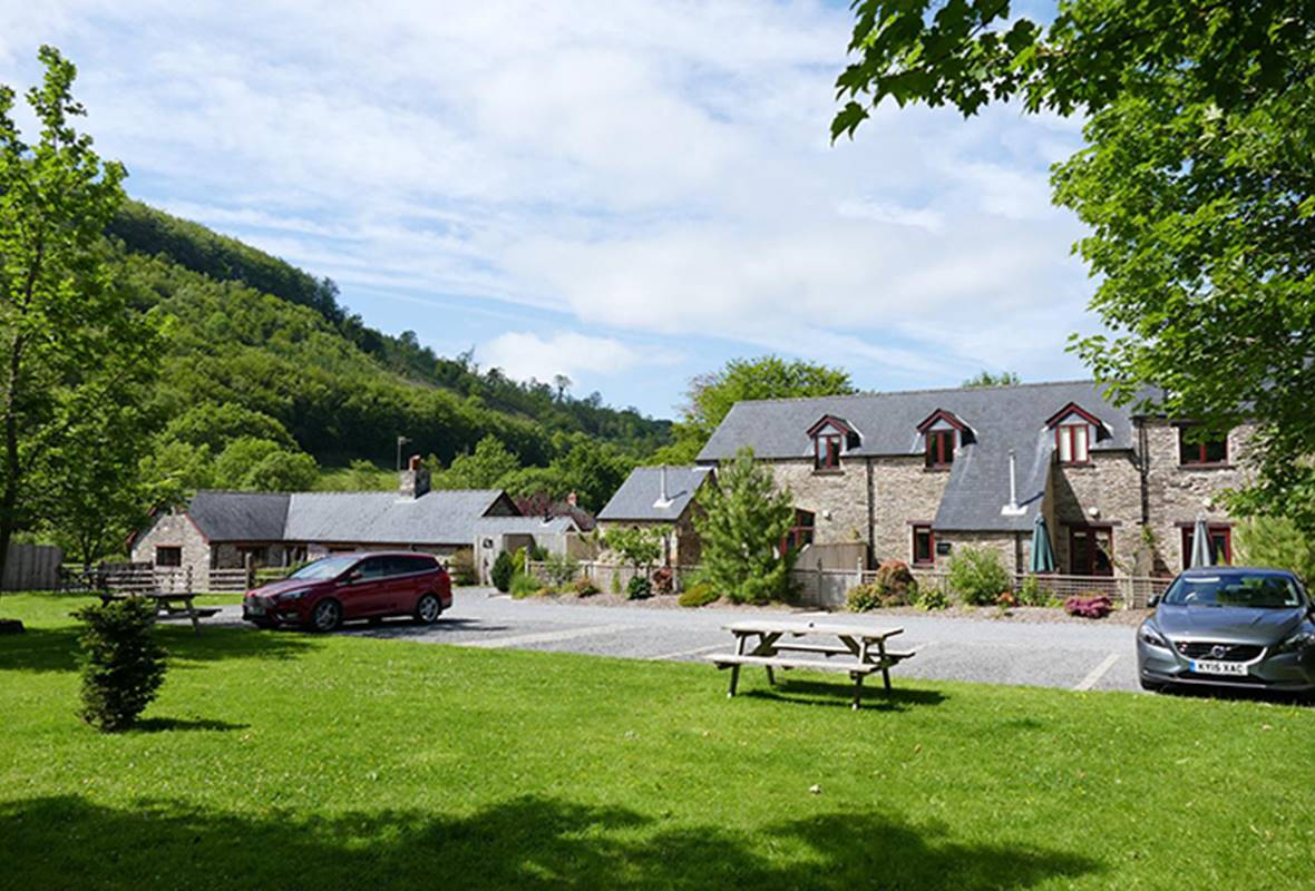 Ty Ysgubor - 5 Star Holiday Cottage - Forest View Cottages, Nr Carmarthen, Pembrokeshire, Wales