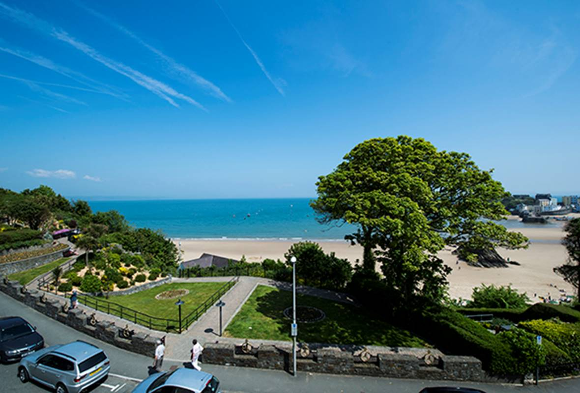 St Catherines Suite - 4 Star Holiday Apartment - Harbour Heights, Tenby, Pembrokeshire, Wales