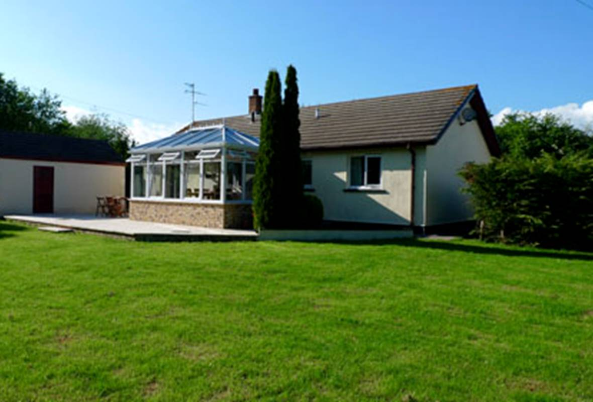 Rushland - 4 Star holiday home - Ludchurch, Pembrokeshire, Wales