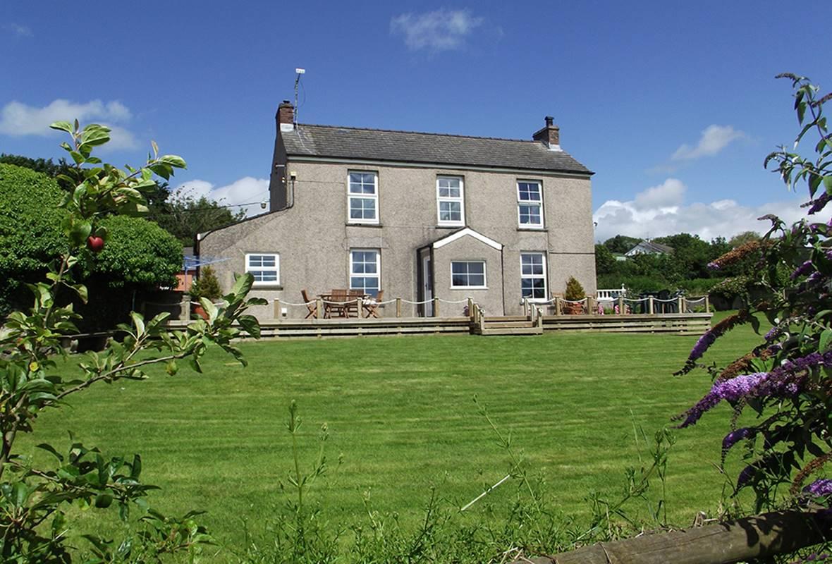 Reynalton House - 4 Star holiday property - Reynalton, Pembrokeshire, Wales