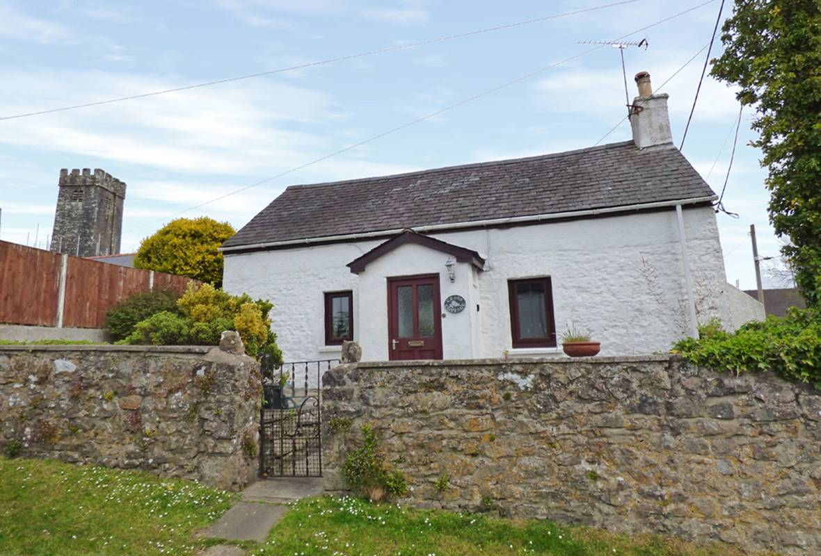 Cross Cottage - 4 Star Holiday Cottage - St Florence, Pembrokeshire, Wales