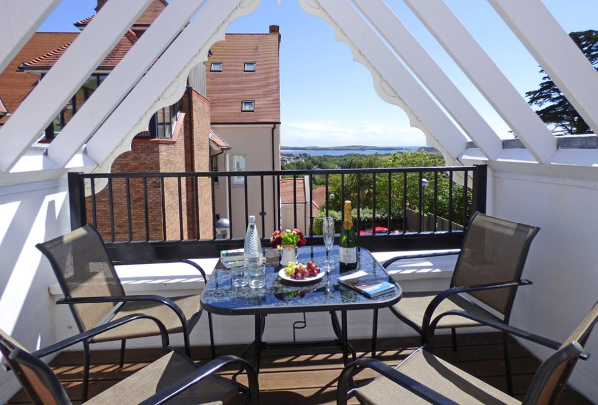 Giltar View - 5 Star holiday property - Tenby, Pembrokeshire, Wales