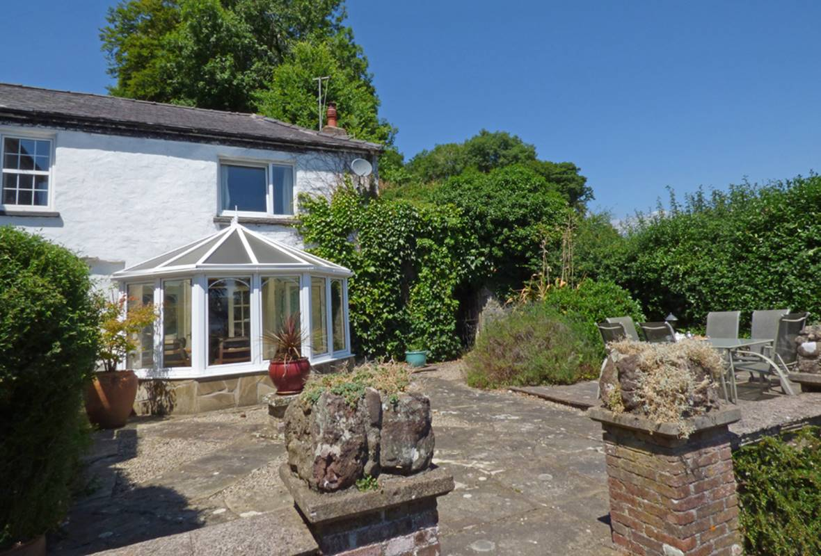 Grove Cottage - 3 Star holiday property - Llansteffan, Pembrokeshire, Wales