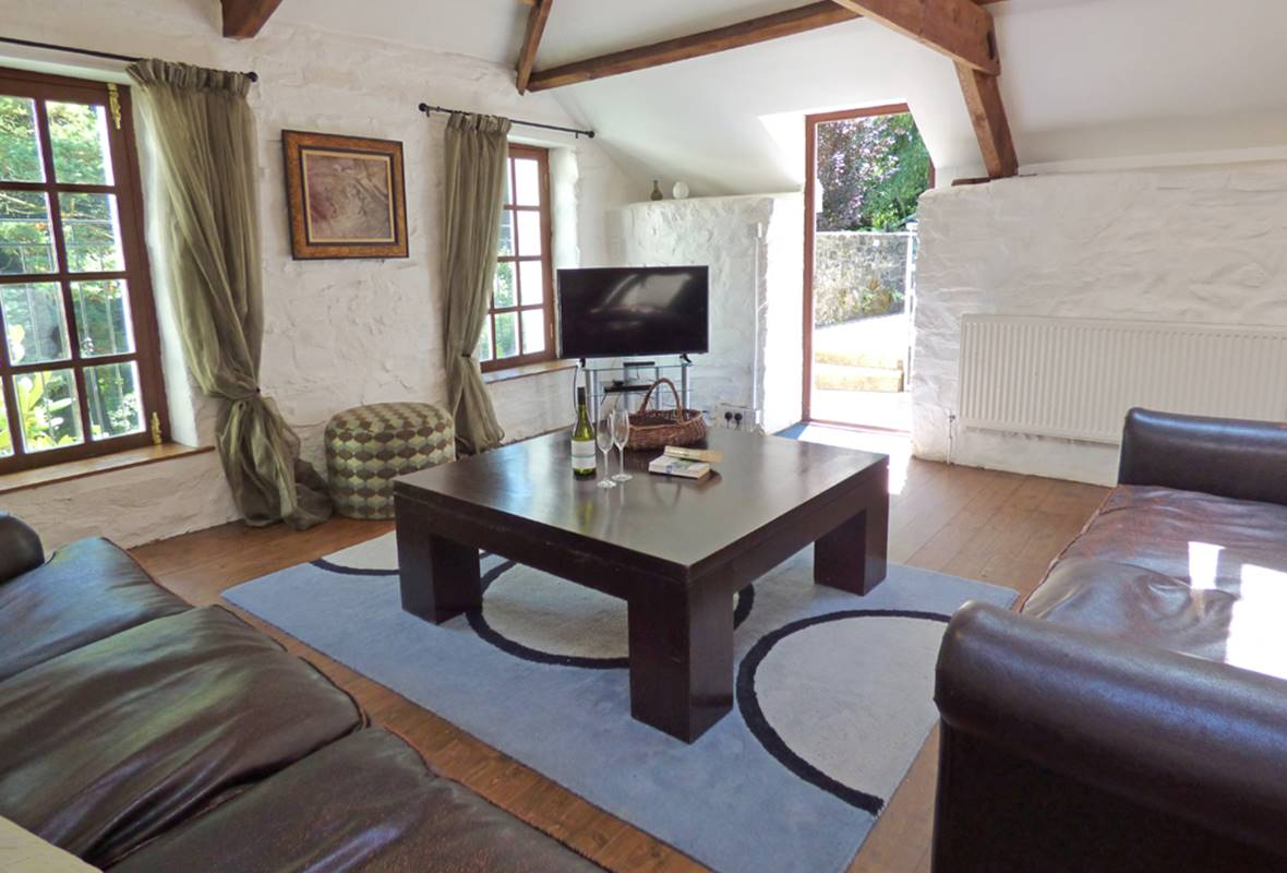Grove Barn - 4 Star holiday property - Llansteffan, Pembrokeshire, Wales