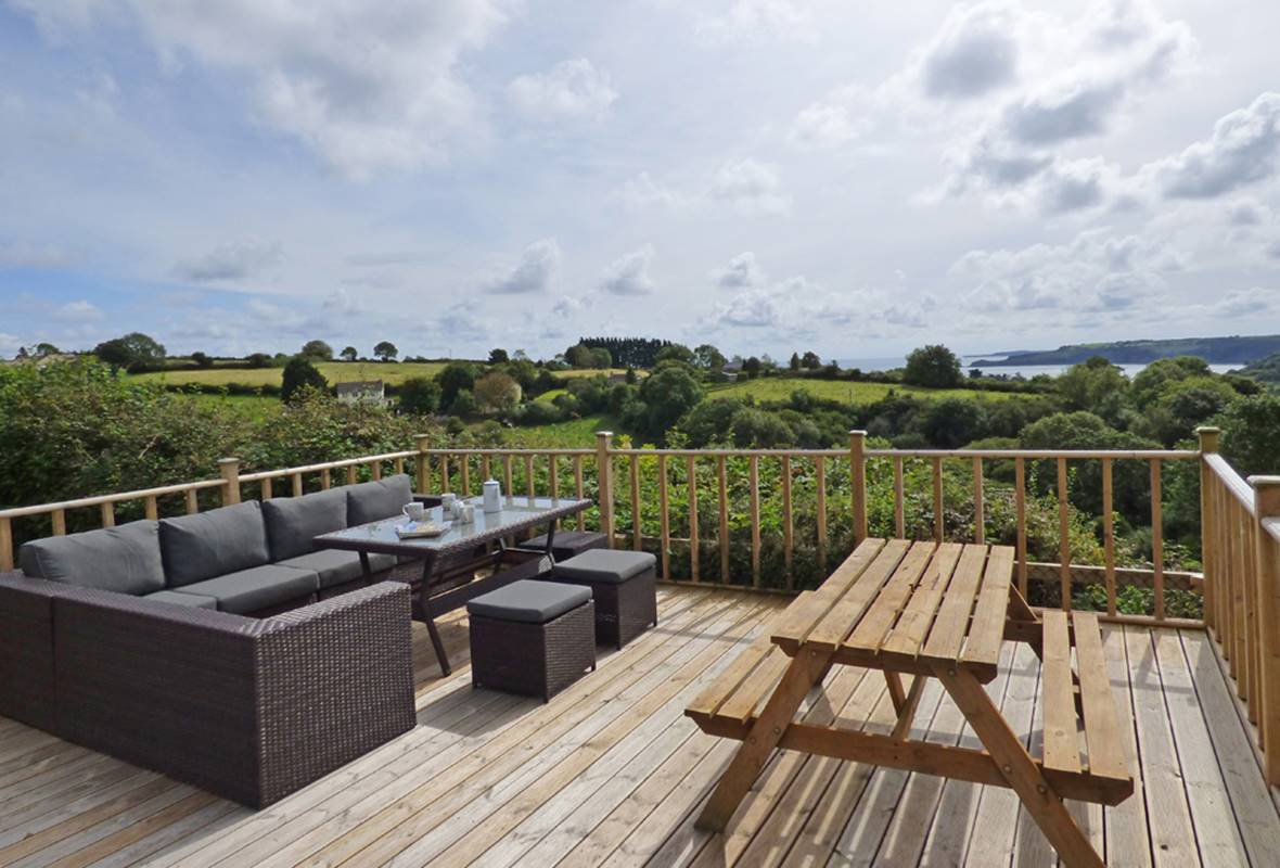 Green Plains - 4 Star holiday home - Wisemans Bridge, Pembrokeshire, Wales