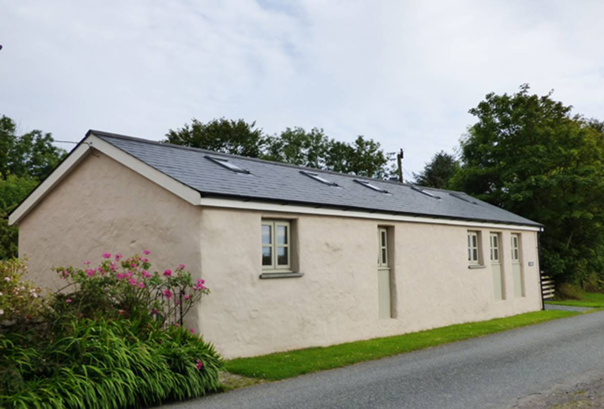 The Longhouse - 4 Star holiday home - Amroth, Pembrokeshire, Wales