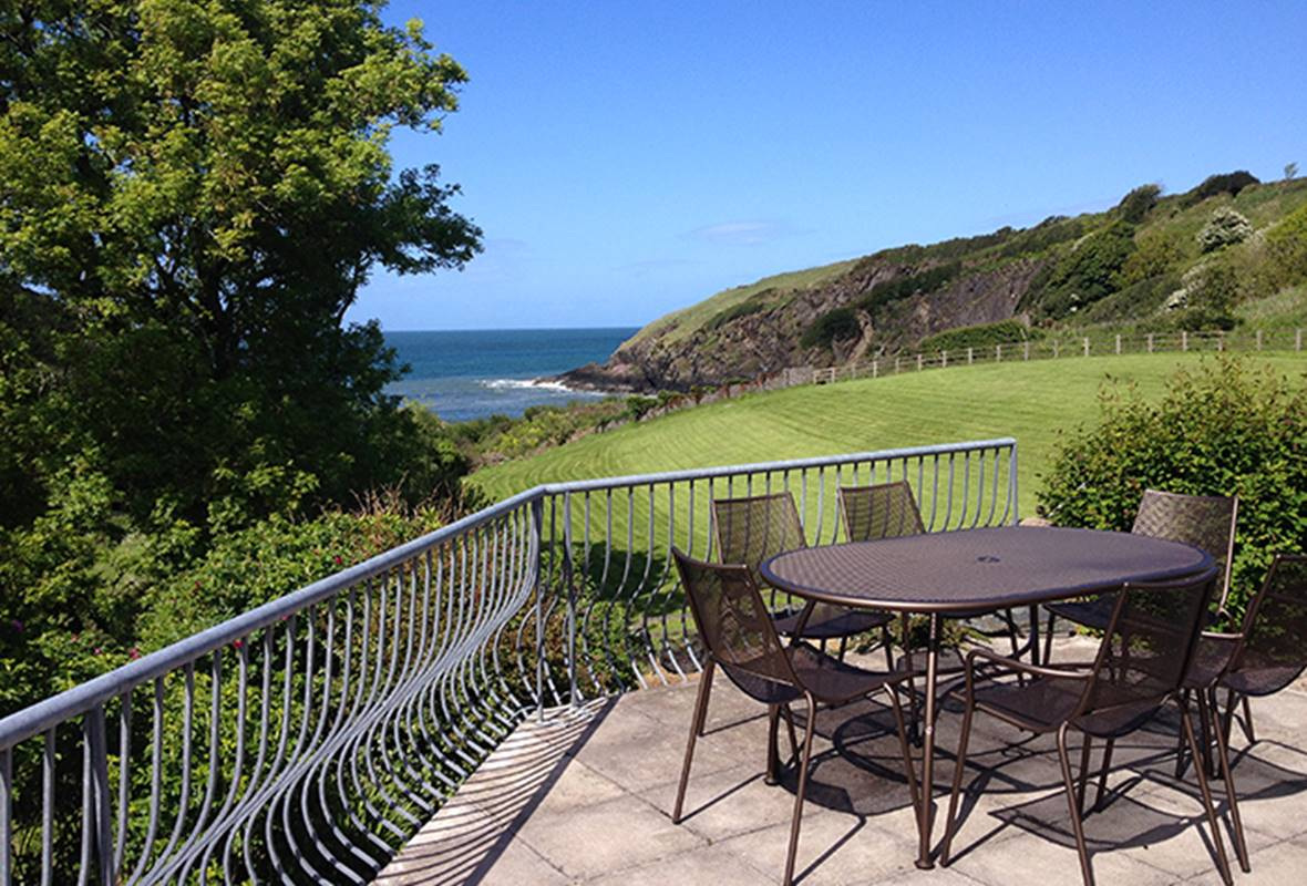 Hen Ty Llaeth - 4 Star Holiday Home - Aberfforest Beach, Newport, Pembrokeshire, Wales