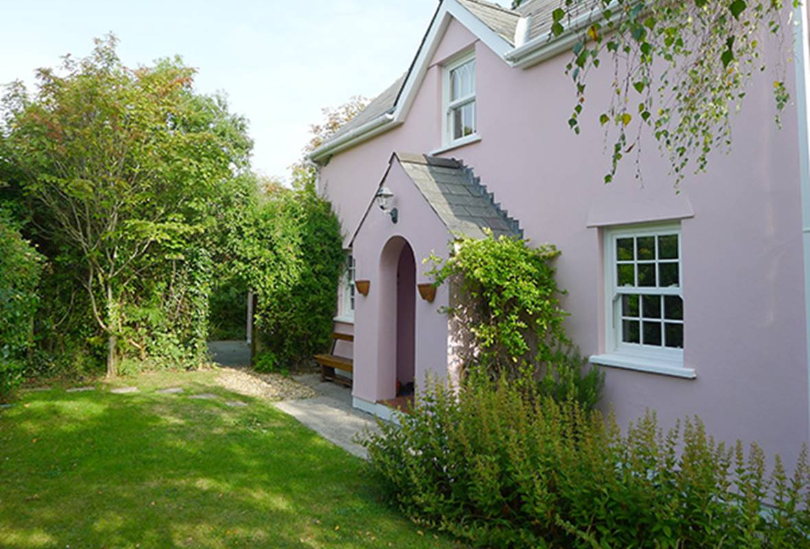 Hawthorne Cottage - 4 Star holiday property - East Williamston, Pembrokeshire, Wales