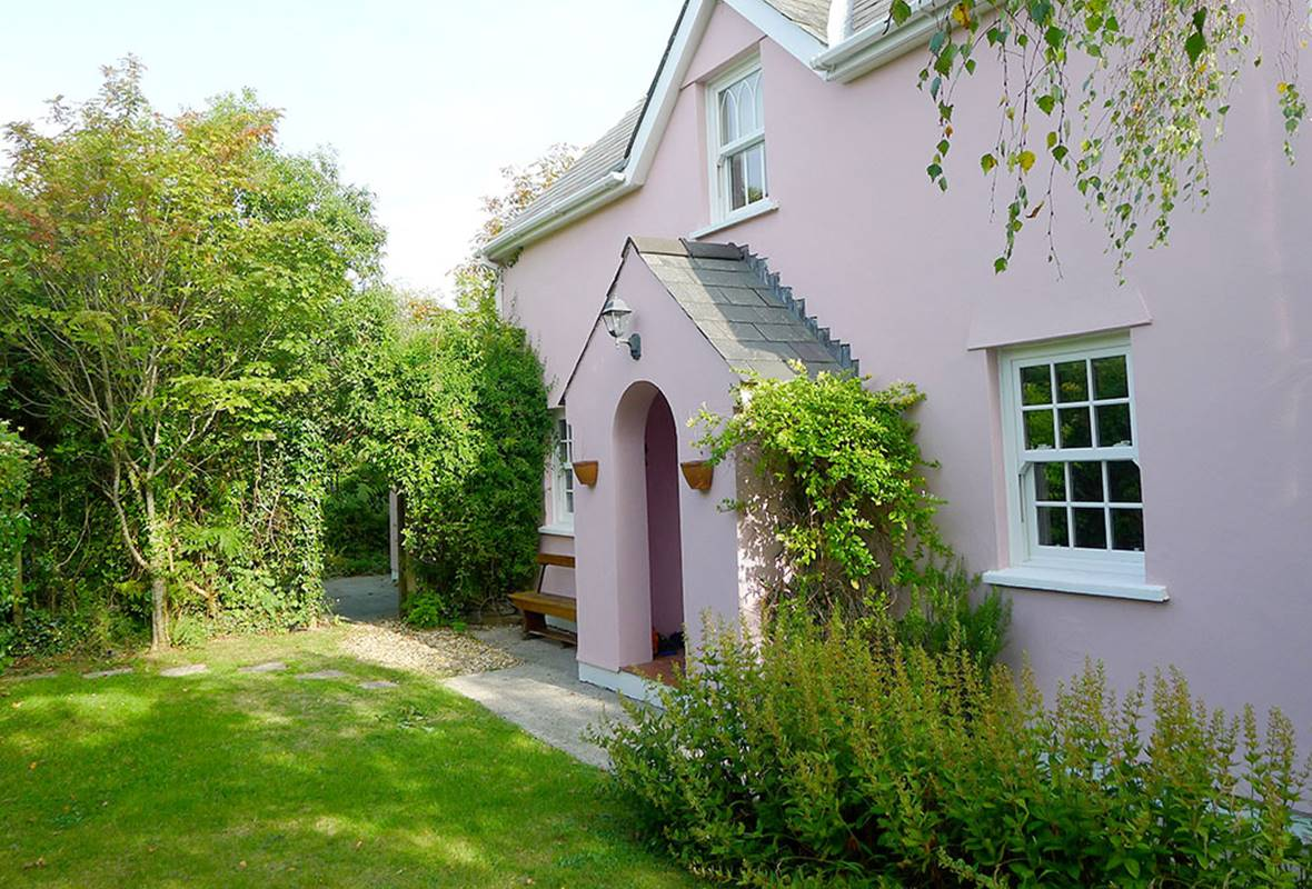 Hawthorne Cottage - 4 Star Holiday Cottage - East Williamston, Pembrokeshire, Wales