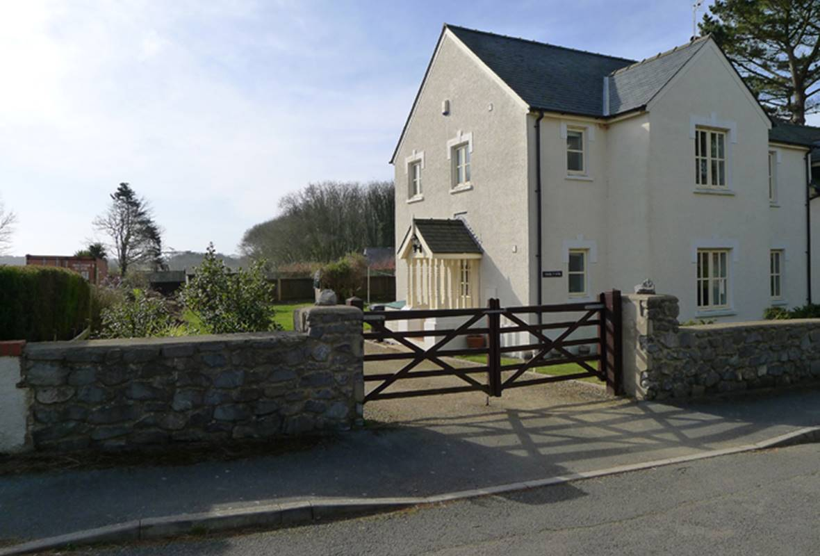 Awel y Mor - 4 Star Holiday home  - Stackpole, Pembrokeshire, Wales