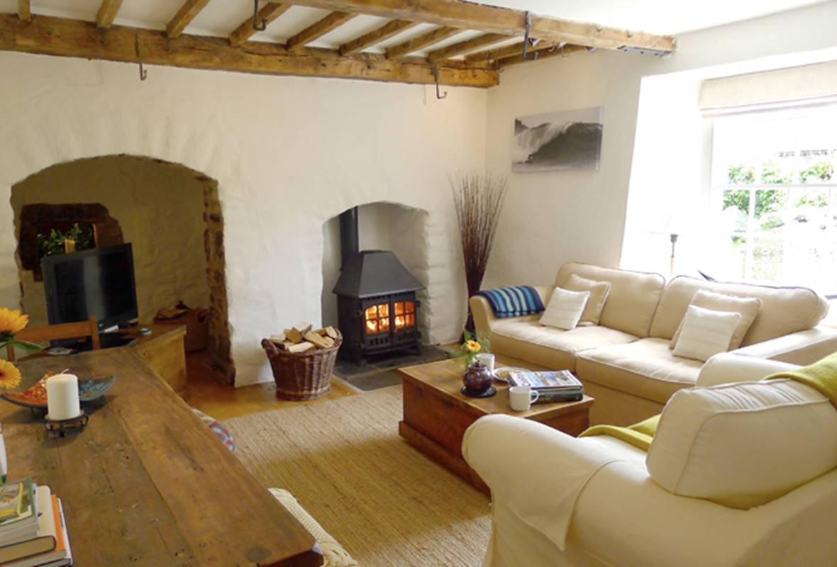 The Old Bread Oven - 4 Star Holiday property - Bosherston, Pembrokeshire, Wales