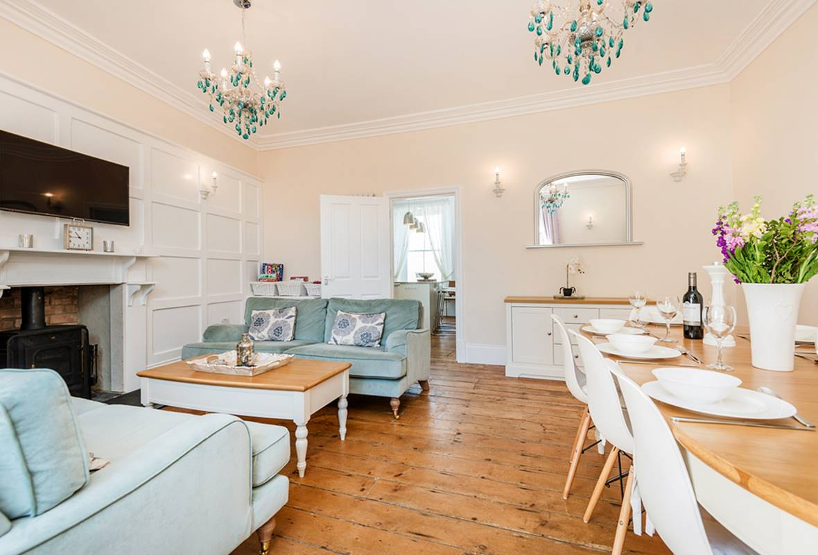 Lantern House - 5 Star Holiday Home - Tenby, Pembrokeshire, Wales