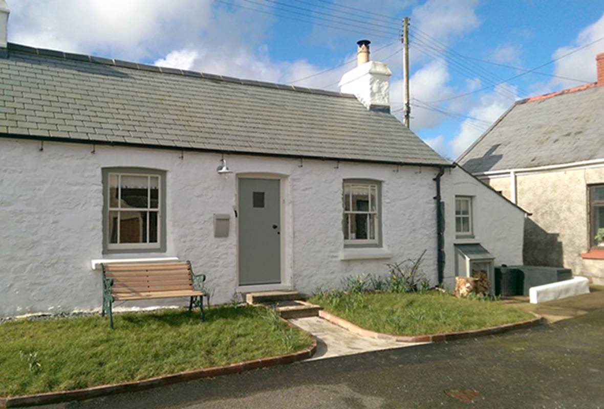 Rock House - 3 Star Holiday home - Herbrandston, nr Dale, Pembrokeshire, Wales