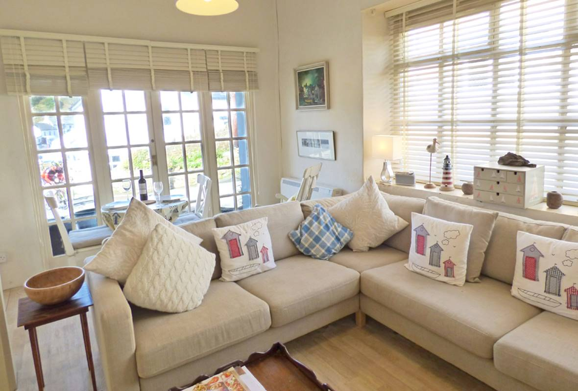 The Old Butchers Shop - 4 Star Holiday Cottage - Little Haven, Pembrokeshire, Wales