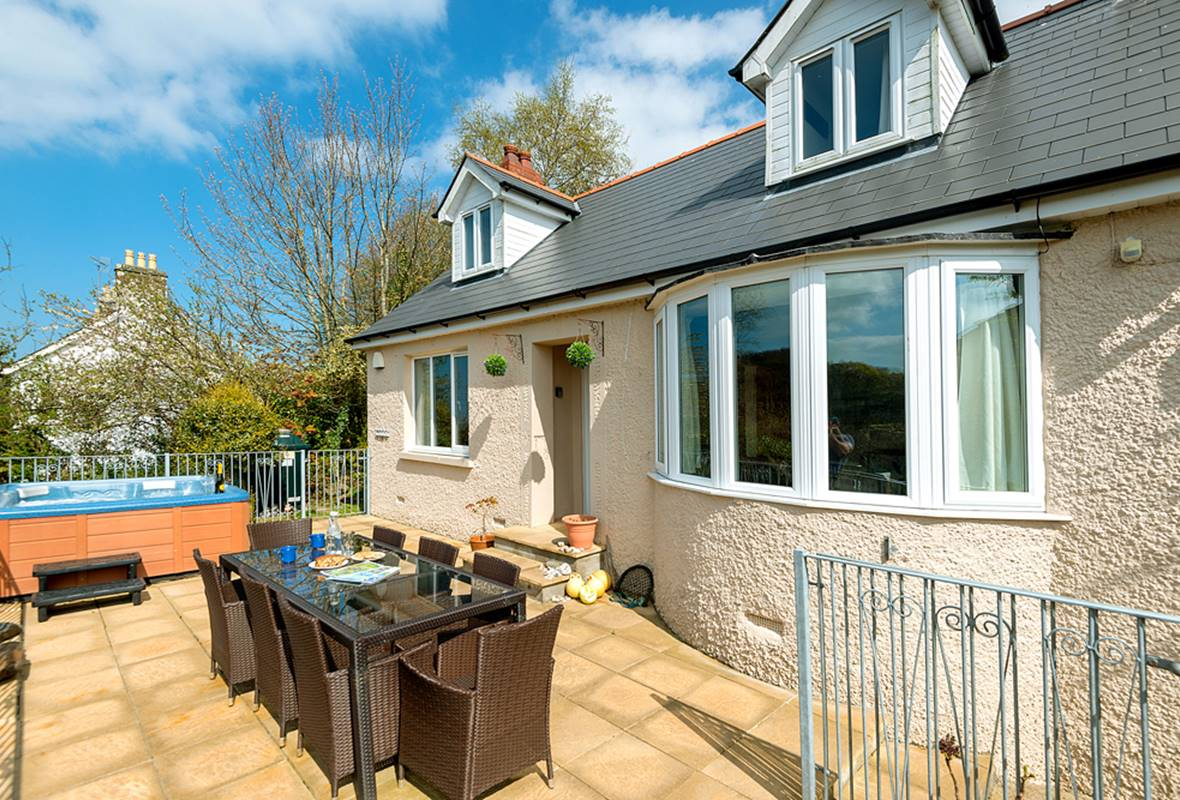 The Cottage - 4 Star Holiday Home - Tresaith, Pembrokeshire, Wales