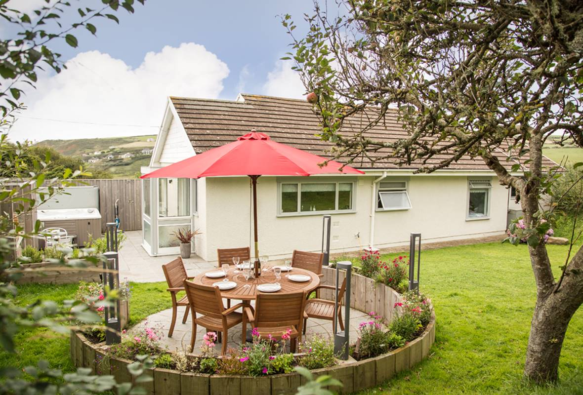 6 Wood Village - 5 Star Holiday Home - Newgale, Pembrokeshire, Wales