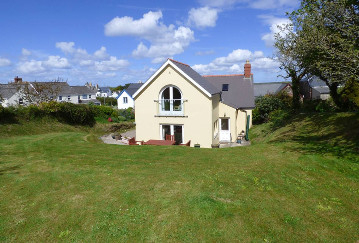 Carpenters Cottage - 4 Star Holiday Cottage - Marloes , Pembrokeshire, Wales