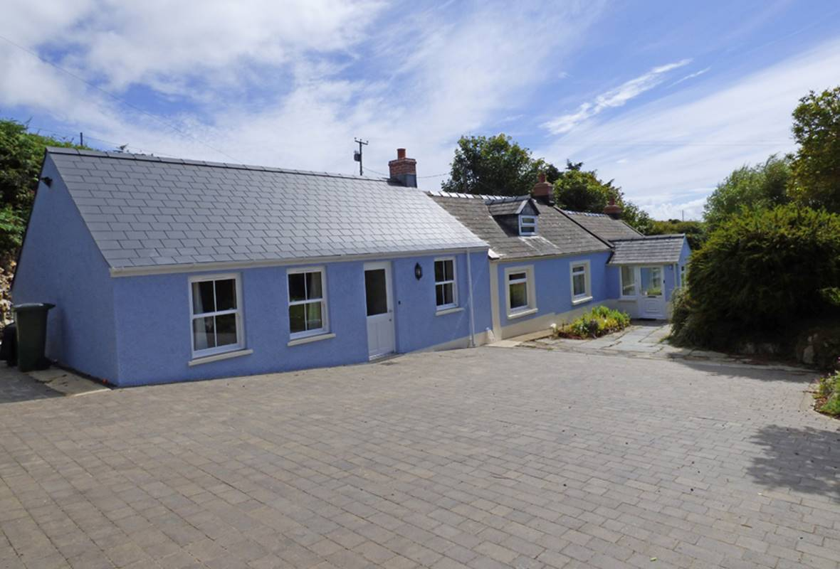 Halfways - 4 Star Holiday Home - St Davids, Pembrokeshire, Wales