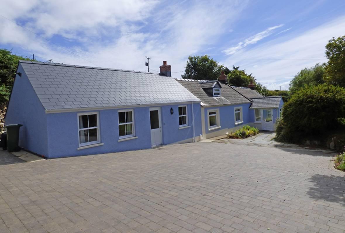 Halfways - 4 Star Holiday Home - St Davids, Pembrokeshire, Wales