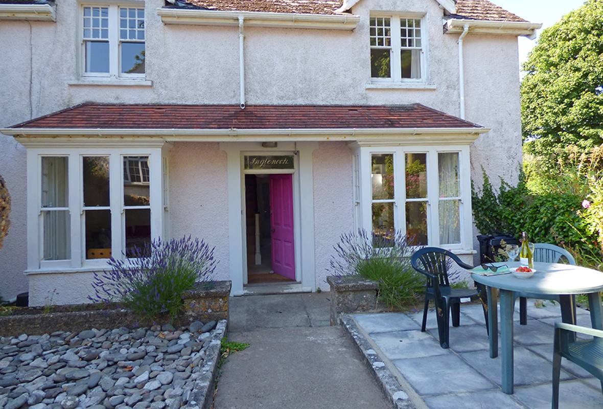 Inglenook House - 4 Star Holiday Home - Manorbier, Pembrokeshire, Wales