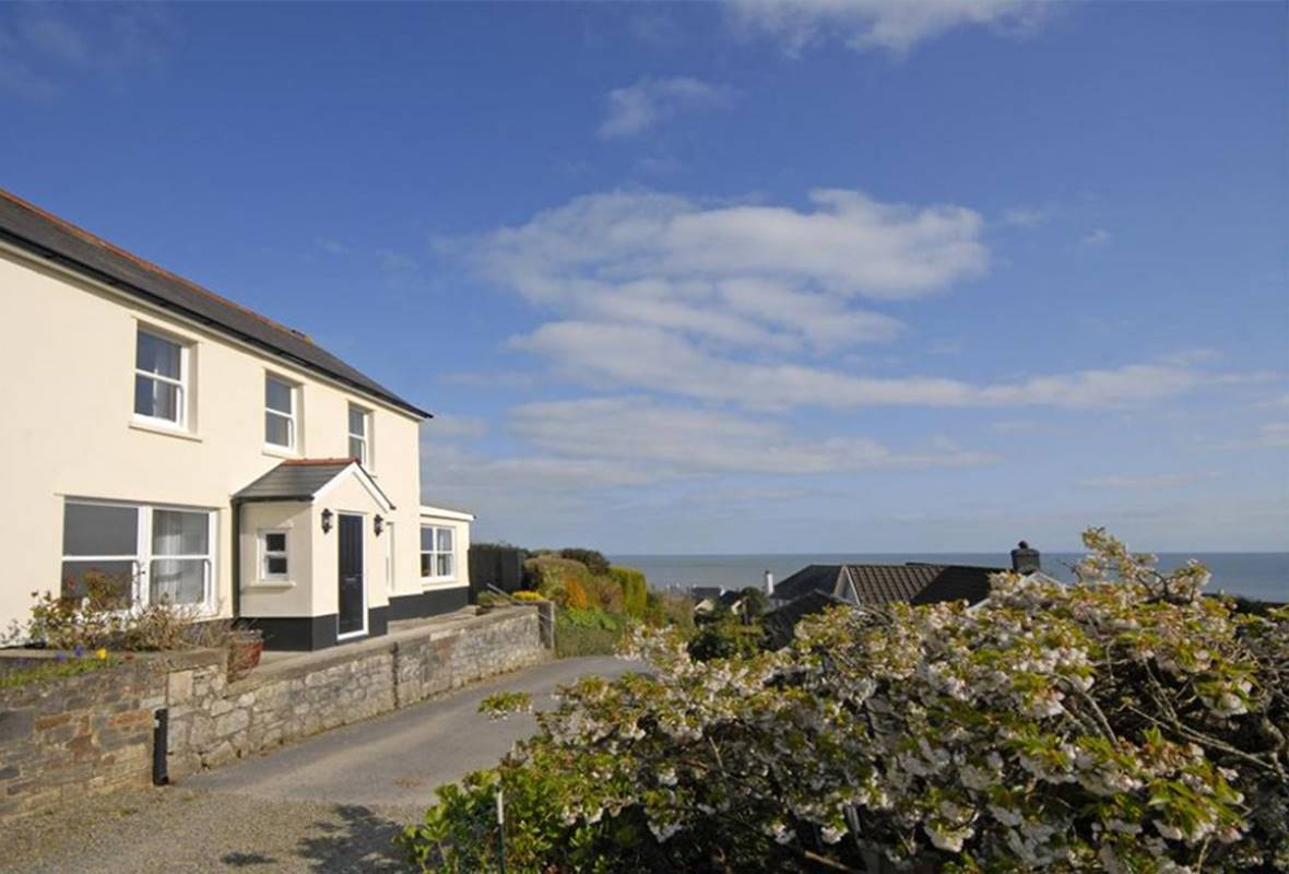 Upper Mead - 5 Star Holiday Cottage - Amroth, Pembrokeshire, Wales