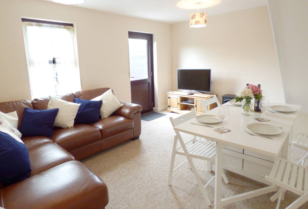 Cowslip Cottage - 4 Star Holiday Cottage - Broad Haven, Pembrokeshire, Wales