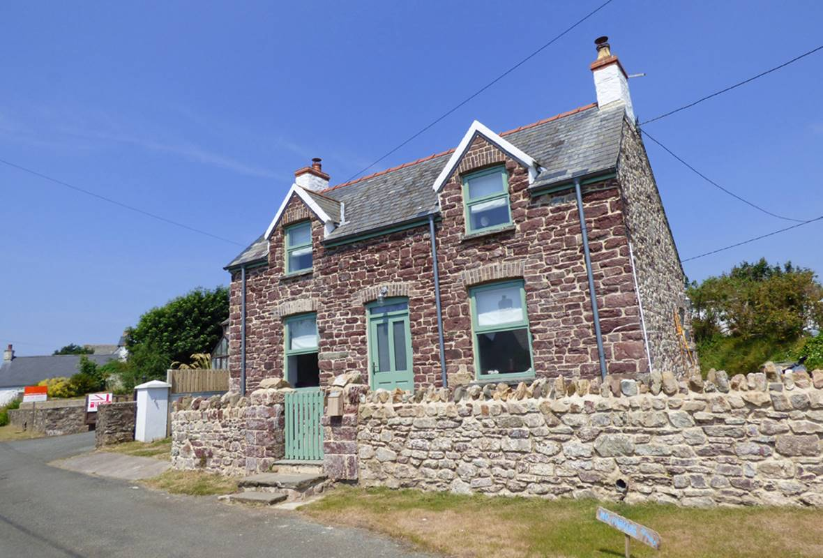 Barn Cottage - 4 Star Holiday Cottage - Marloes, Pembrokeshire, Wales