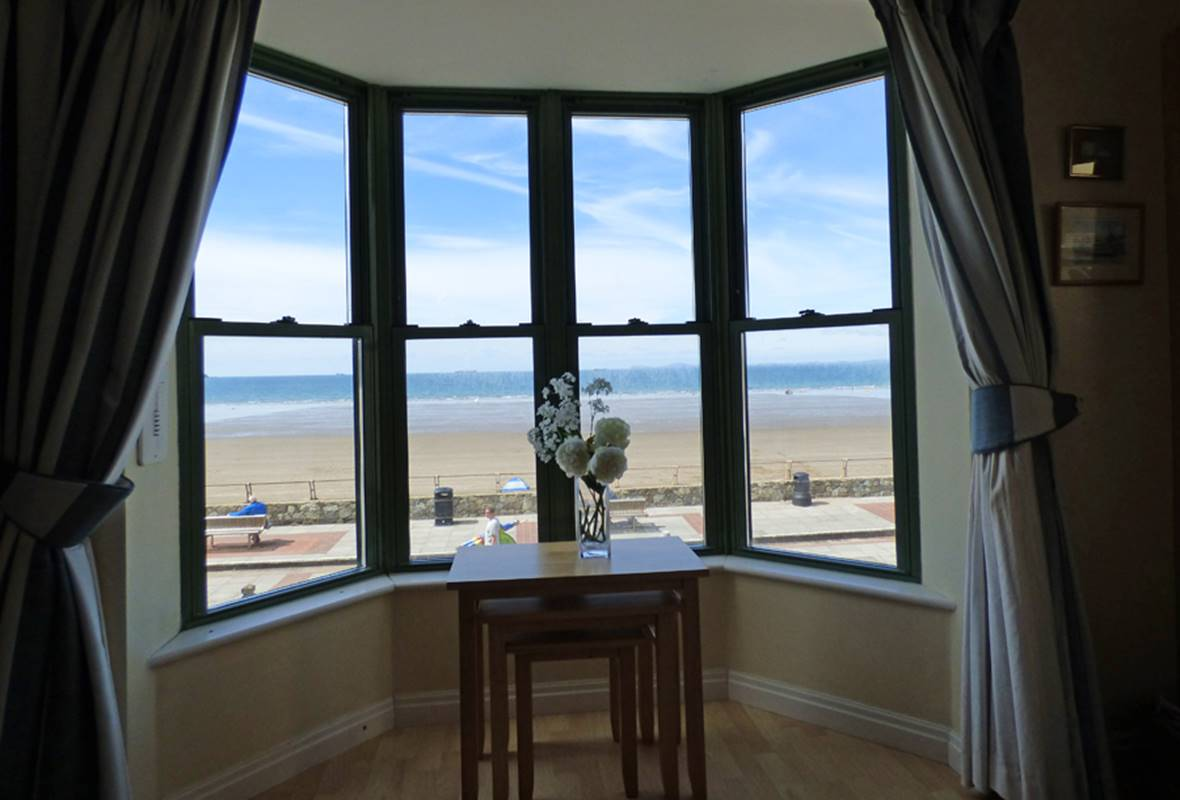 19 St Brides Bay - 4 Star Holiday Apartment - Broad Haven, Pembrokeshire, Wales