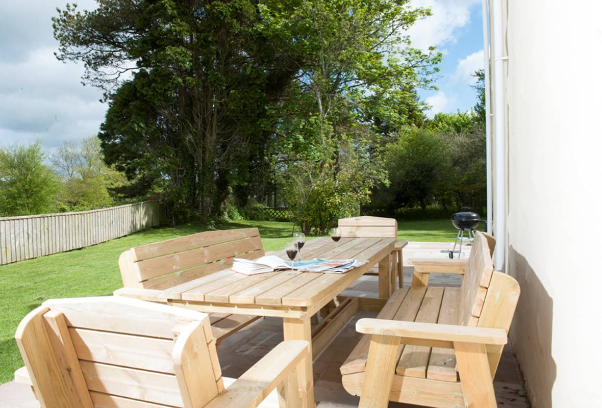 Garden Pitts - 5 Star Holiday Cottage - Landshipping, Pembrokeshire, Wales